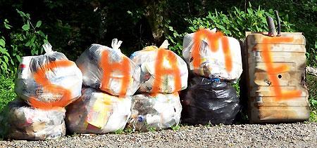 TN-Carl-Wolfe-trashbags