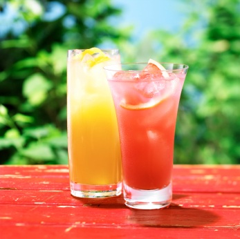Mix cocktails with organic juice