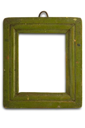 Organic wood frame colored with eco-friendly dye