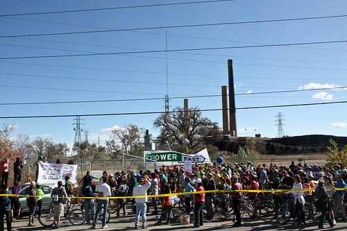 CO coal crowd