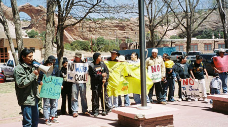 Navajo-Black-Mesa-protest