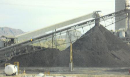 Coal-pile-at-Reid-Gardner