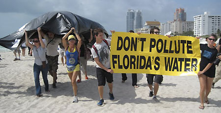 Miami-Beach-protest