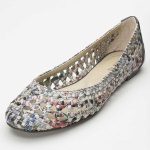 Recycled newspaper ballet flat
