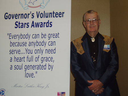 Wolfe-at-Volunteer-Awards