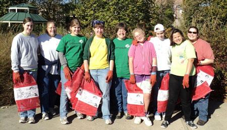 Girl-Scout-volunteers