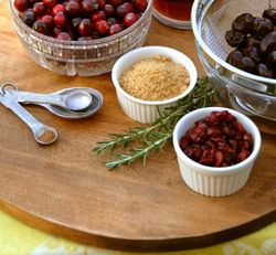 Organic cranberry sauce for Thanksgiving