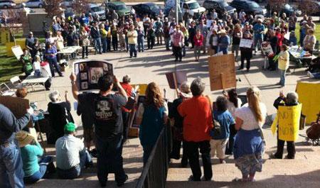 No-Nukes-rally-in-Pueblo