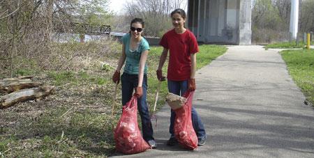 Young-volunteers-in-Elgin