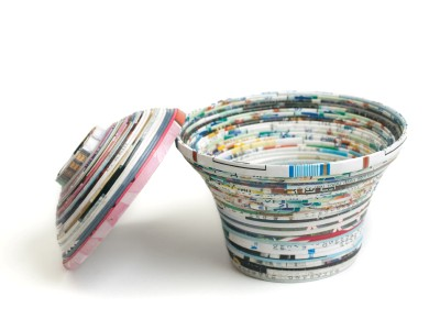 Recycled magazine container
