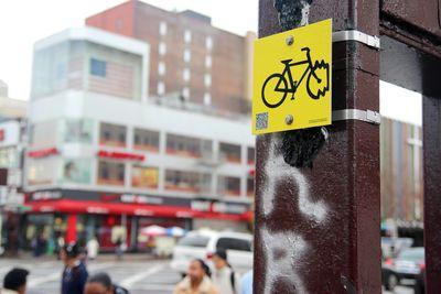 Bike sign NYC DOT