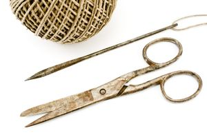 Scissors twine craft