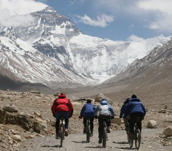 Cycling to Mount Everest