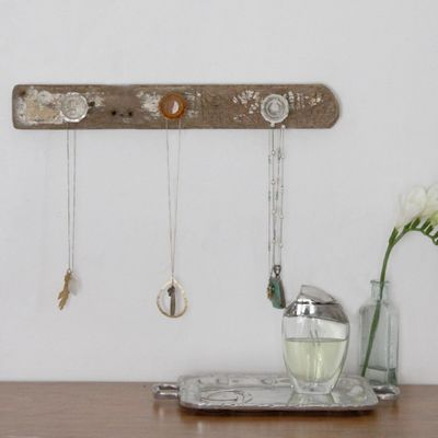 Diy In 10 Minutes Rustic Jewelry Holder The Green Life