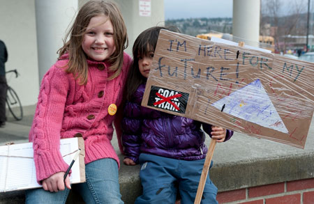 Kids-at-coal-terminal-rally