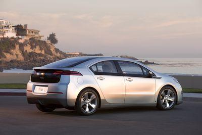 2011-Chevrolet-Volt-052