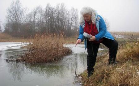 Lynn-Henning-water-testing