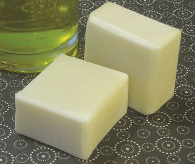 Diy natural soap basic olive oil soap the green life - Diy uses for olive oil help from nature ...
