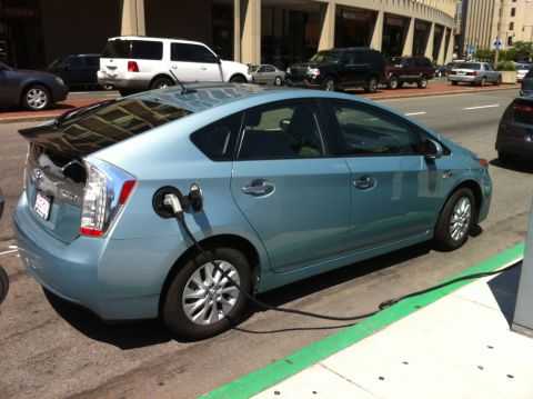 Prius_city_hall3