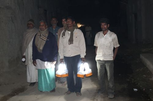India solar light pic 1