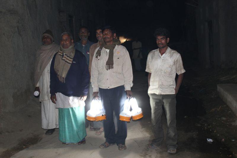 India solar light pic 1
