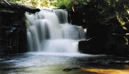 Sturgeon-River-falls