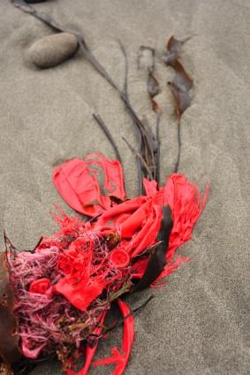 Wildlife-Friendly Trash Disposal: Balloons - The Green Life