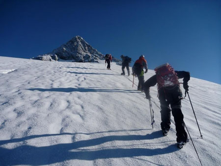 Nearing-Shuksan's-summit