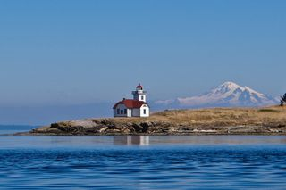 Patos Island Light (photo credit - Tom Reeve)