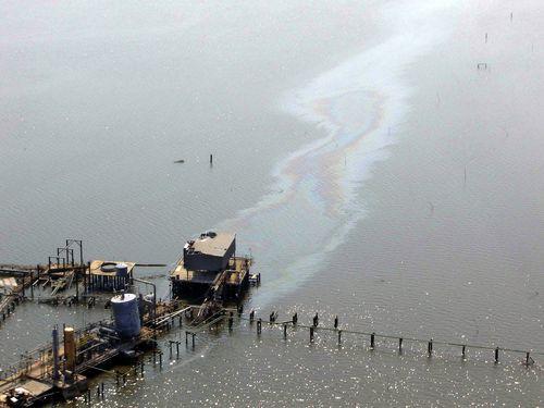 D11 - Oilslick Breton Sound Post-Katrina - NOAA