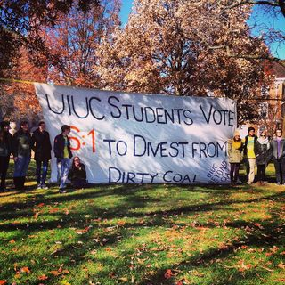 UIUC banner divestment vote