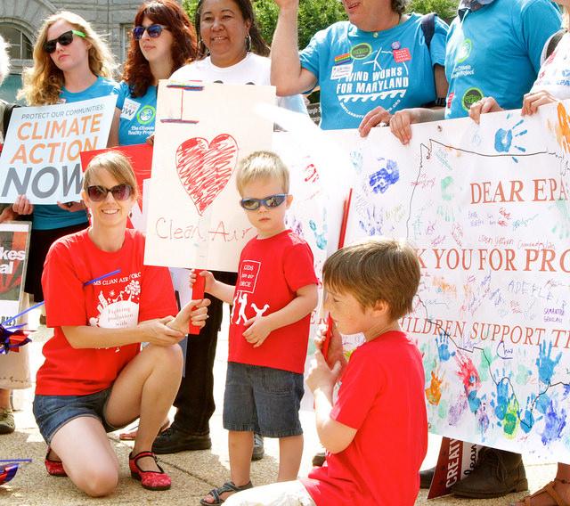 DC EPA rally kids - Photo by Javier Sierra