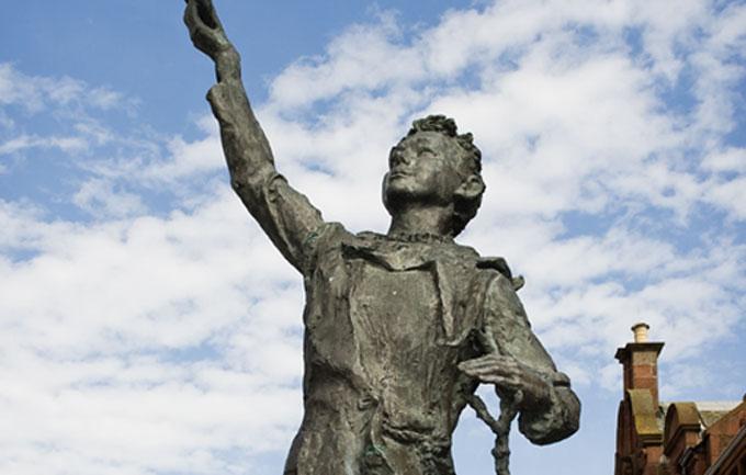 John-Muir-statue