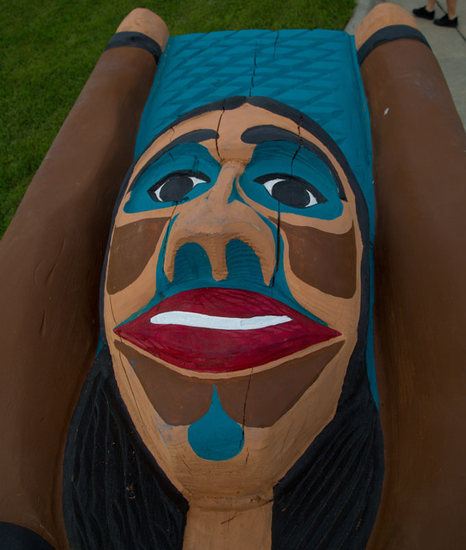 Jewel-James'-totem-pole