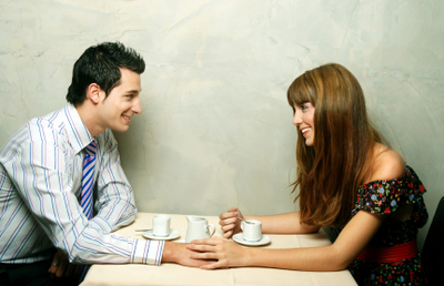 Couple_at_tableistock_000006284847x