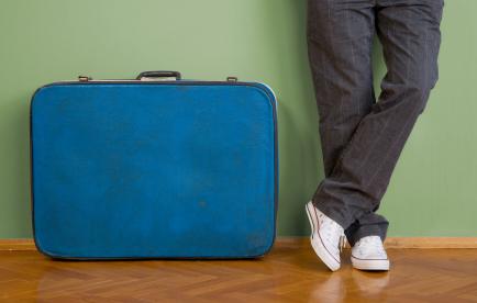 Suitcase_istock_000005925681xsmall